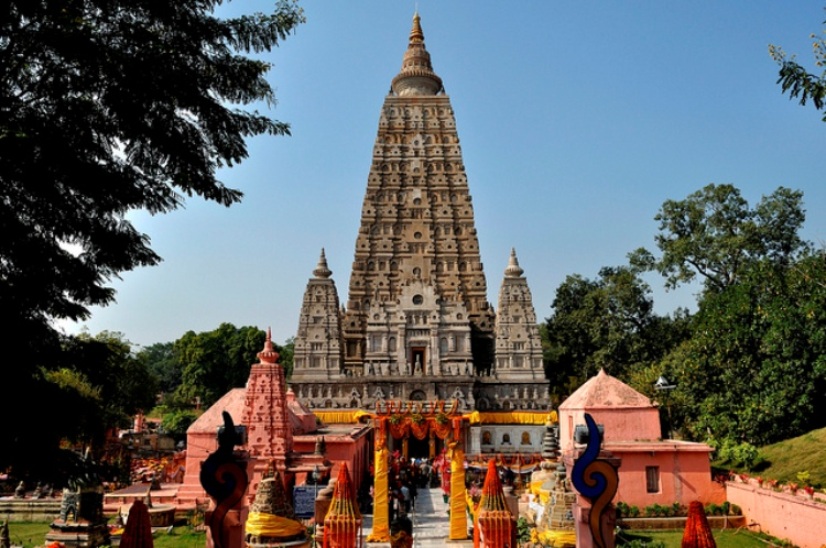 Mahabodhi Temple - Monuments of India